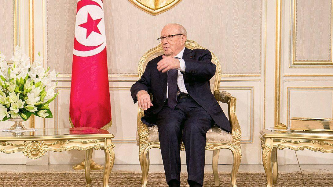 تونس: الباجي قائد السبسي وإعادة كتابة التاريخ