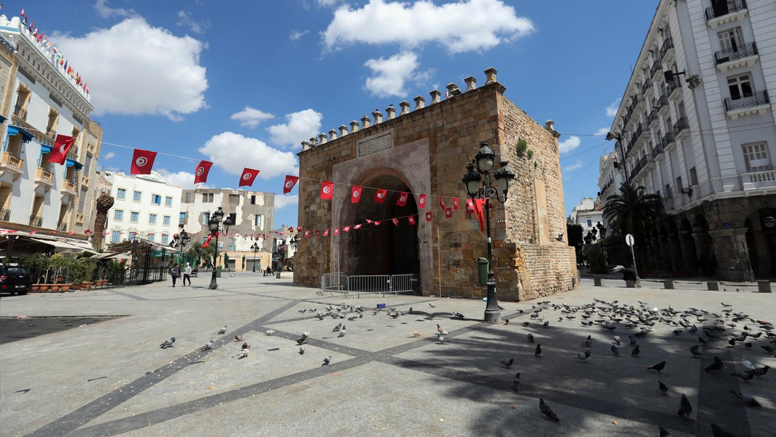ساحة باب بحر تونس العاصمة العاصمة