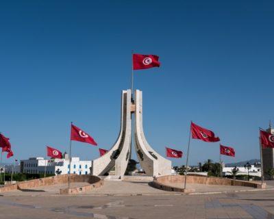 المديونية والشعبوية والاحتجاجات.. تونس في مواجهة الأزمات