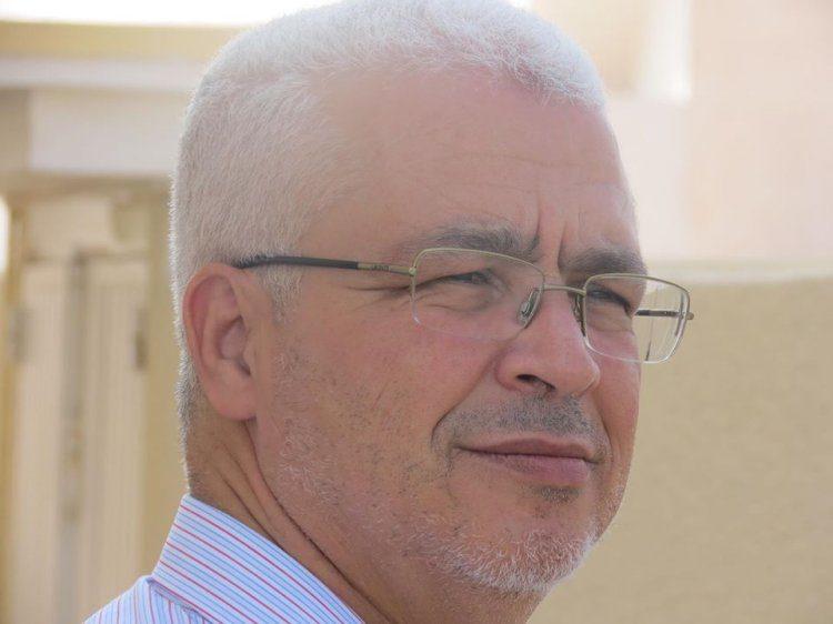 """رضا الكزدغلي يكتب ل """"التونسيون"""" حول حوار هشام المشيشي """"بين الحدث و اللا حدث الإعلامي"""""""