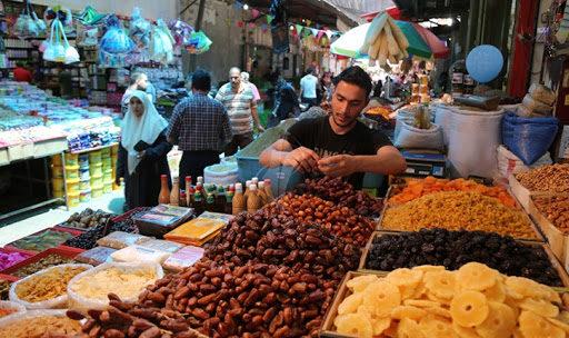 غلاء اسعار وإهمال حكومي .. التونسيون فرحون برمضان !