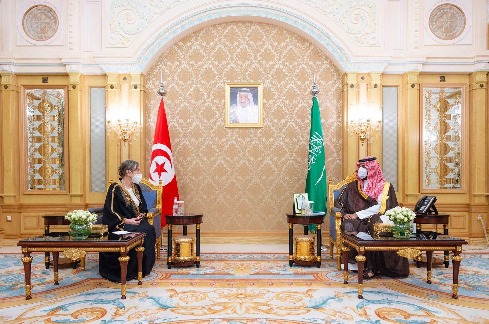 ولي العهد السعودي محمد بن سلمان يلتقي رئيس الحكومة نجلاء بودن